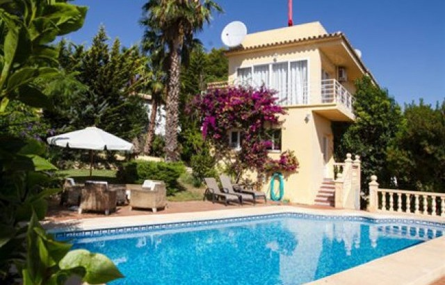 Villa In Benissa For Sale 4 Bedrooms 2 Bathrooms