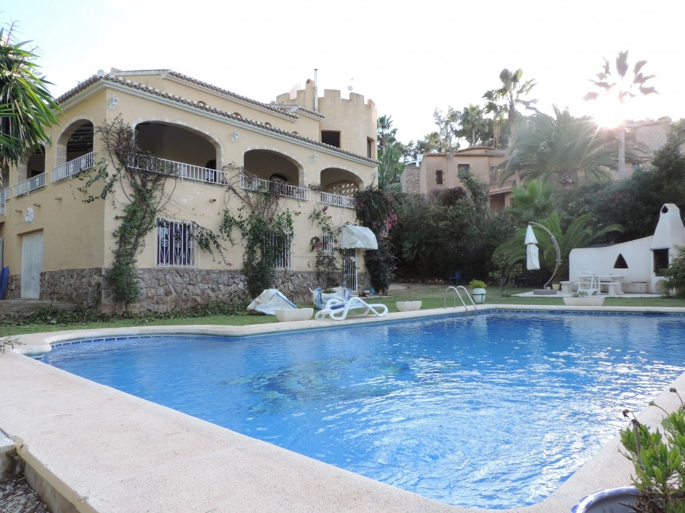 Castle Style Villa With 8 Bedrooms 6 Bathrooms In Javea, Alicante