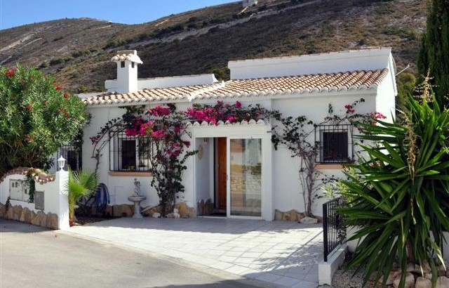 Tranquil And Charming 3 Bedroom 2 Bathroom Villa In Benitachell, Alicante