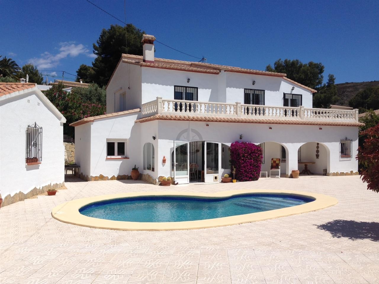 Villa In Moraira For Sale 5 Bedrooms 4 Bathrooms