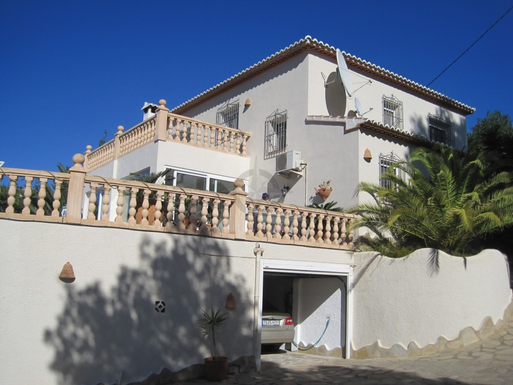Large Private Contemporary Style Villa, 5 Bedrooms 3 Bathrooms In Benissa, Alicante, Anxious To Sell