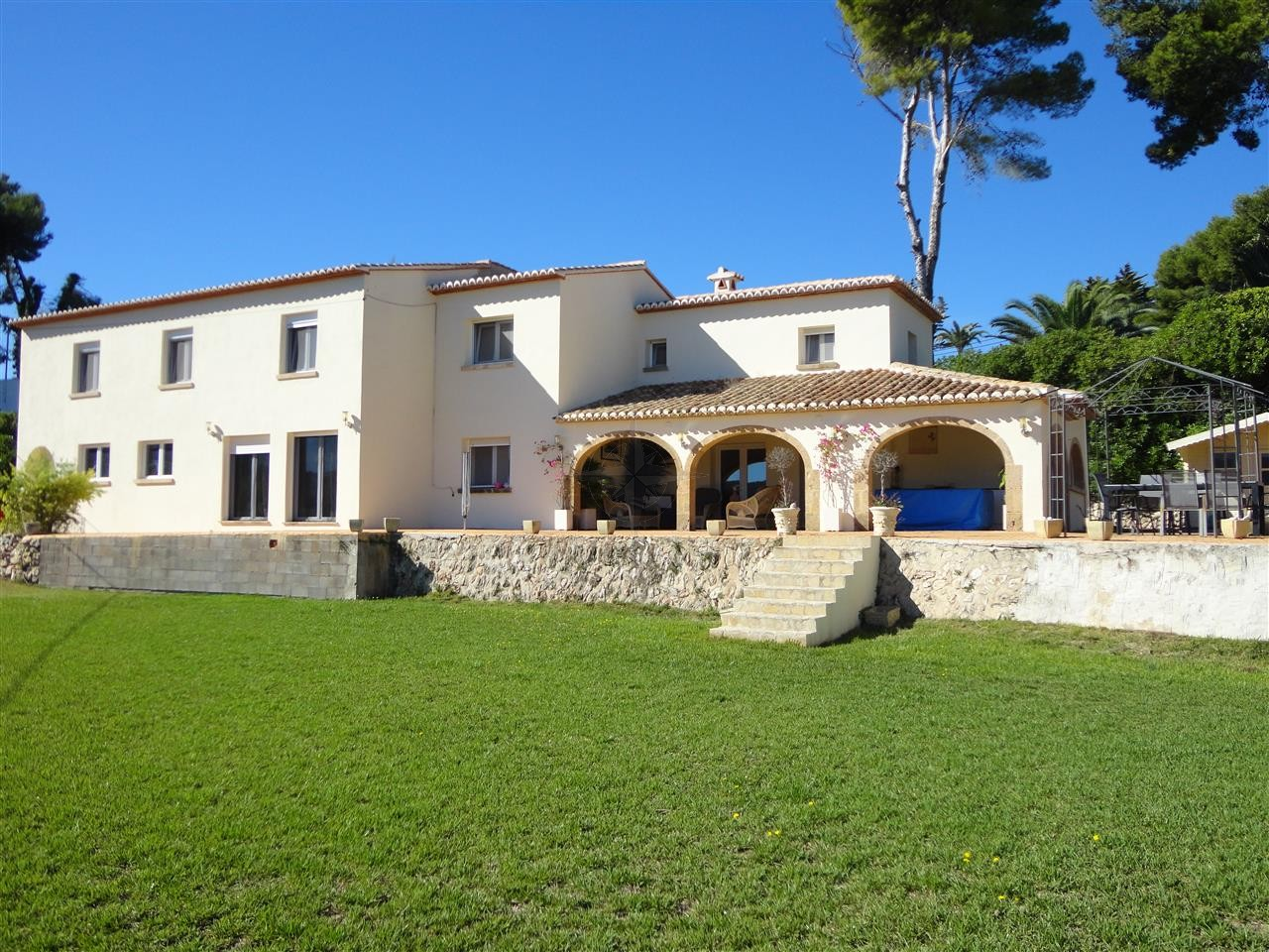 First Class Elegant Grande Villa With Large Plot, 5 Bedrooms 4 Bathrooms In Tossalet Javea, Alicante