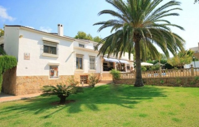 Villa In Javea For Sale 4 Bedrooms 3 Bathrooms, Alicante
