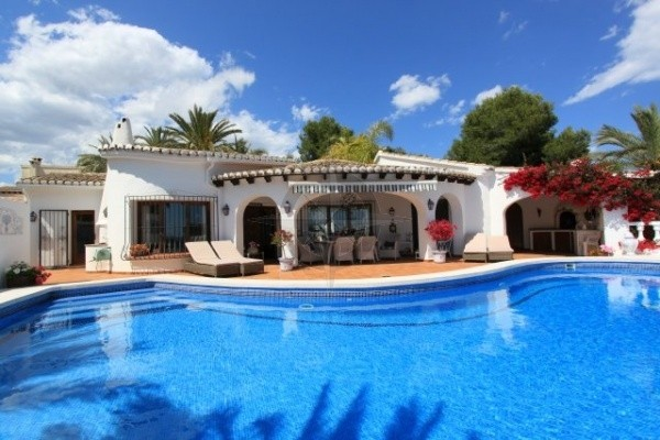 Grande And Eloquent 4 Bedrooms 3 Bathrooms Villa In Moraira, Alicante