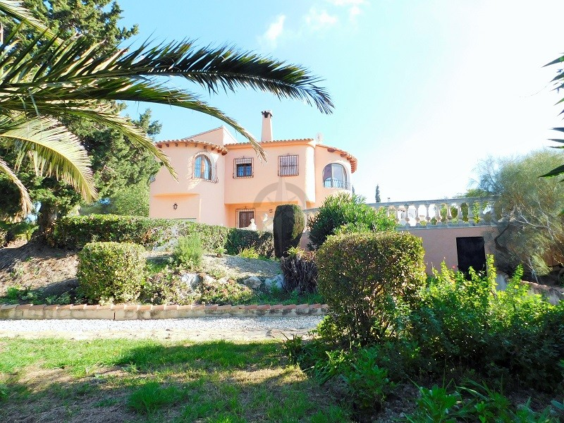 Large Beautiful Villa With Sea And Mountain Views In Urbanization La Empedrola
