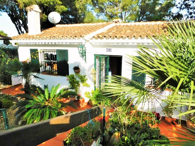 Charming Bungalow With Sea Views In Denia